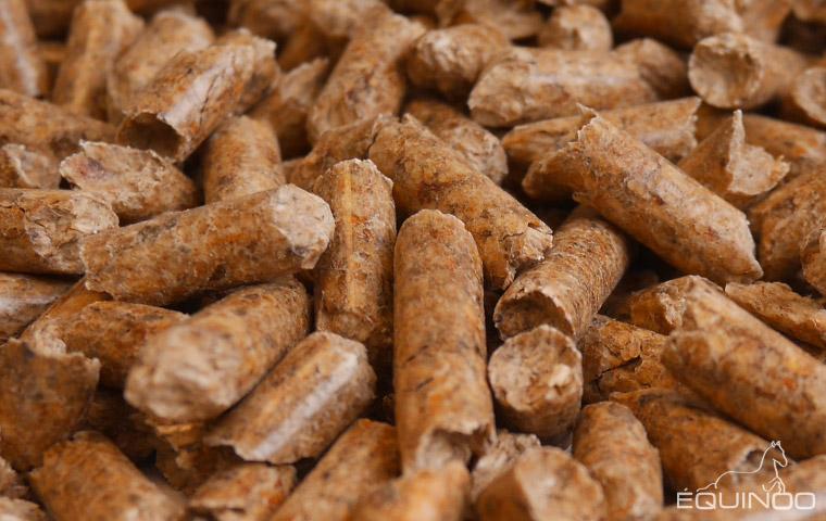Liti re granul s de bois demi camion ain 01 - Granules de bois leclerc ...